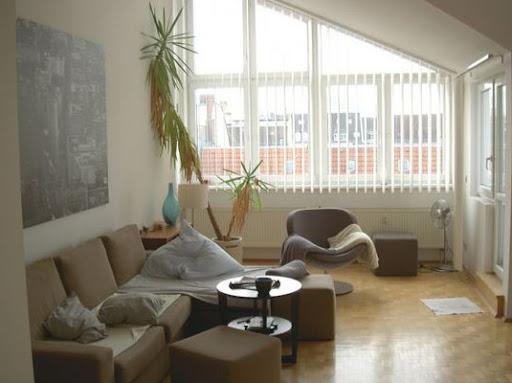 gut geschnittenes dg mit sch ner terrasse in kudamm n he informationen ber wohnungsbetrug. Black Bedroom Furniture Sets. Home Design Ideas